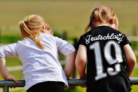 Two girls looking - Photo courtesy of Alexas_Fotos via Pixabay