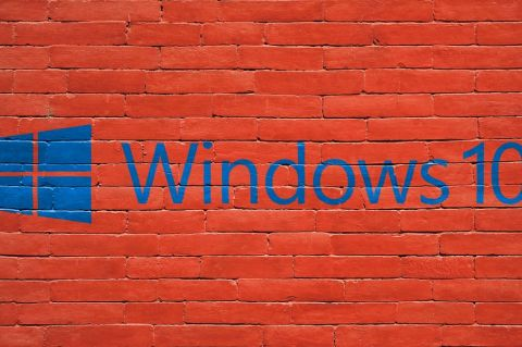 Windows 10 - https://pixabay.com/photo-1535765/